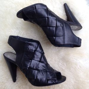 Vince Camuto Black Leather woven shooties booties